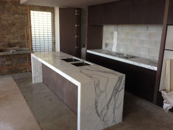 Calacutta Marble Kitchen Winner of Master Builders Australian Kitchen Of The Year 2015 For Kitchen Over 25000 580x435 - Kitchen